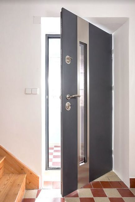Bezpečnostní dveře (Zdroj: HT dveře)