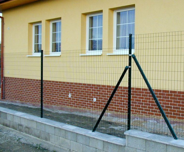 Hledáte plot na celý život  - ČESKÉSTAVBY.cz b0653f2d2b4